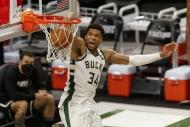 Milwaukee Bucks seriyi eşitledi
