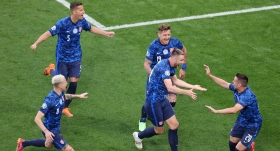 Slovakya galibiyetle başladı