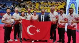 Milli kick boksçular, Özbekistan'da 7'si altın 11 madalya kazandı
