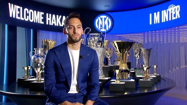 Hakan Çalhanoğlu Inter'de