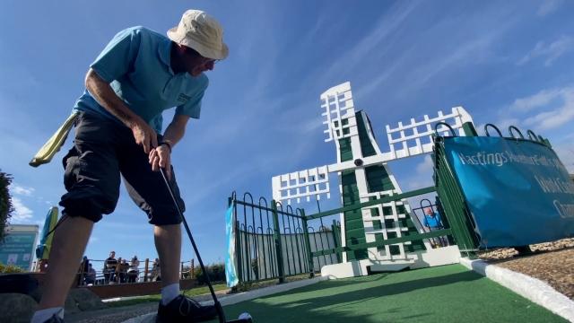 Dünya Çılgın Golf Şampiyonası, İngiltere'de yapıldı
