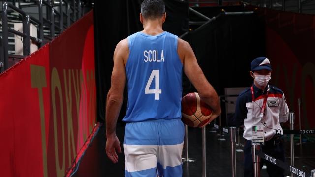 Luis Scola parkelere veda etti