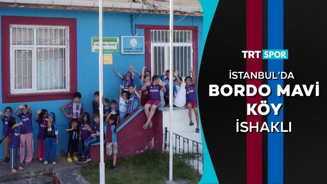 İstanbul'da bordo mavi köy