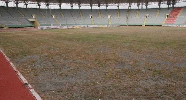 """GAP Arena Stadyumu'ndaki """"çim"""" sorunu"""