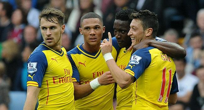 Arsenal'ın 4 dakikada 3'ledi, Mesut...