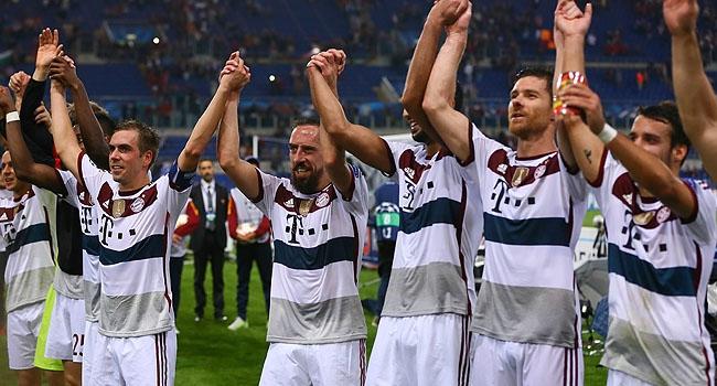 """Bayern Münih yedinci katta cennette"""