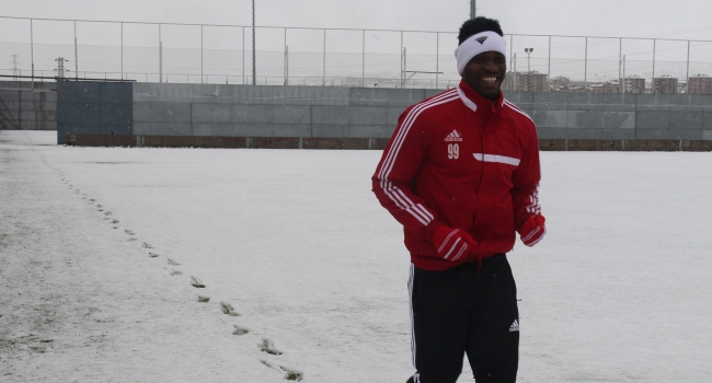 Sivasspor kar altında hazırlanıyor