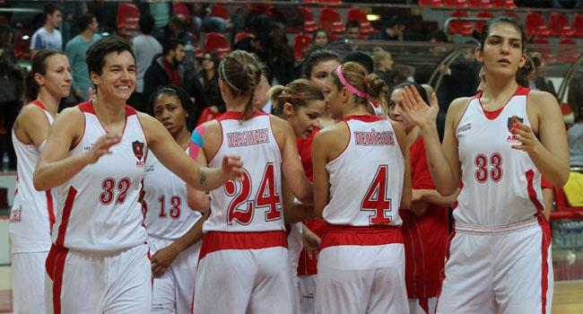 AGÜ Spor'da 5'te 5 sevinci